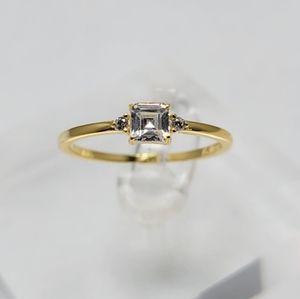 18k Yellow Gold Dainty Princess Cut Ring